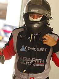 ヨシキ・オオムラ:レーシングカーとオルタナティブ投資