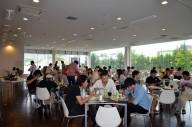 午前のレッスンを終えて、ランチ会場SUKUKA-ZEでホッと一息。美味しい食事を楽しみつつ、同伴者や同じABARTHオーナーの仲間たちとともに、ここまでに学んだ体験を語り合っていた。
