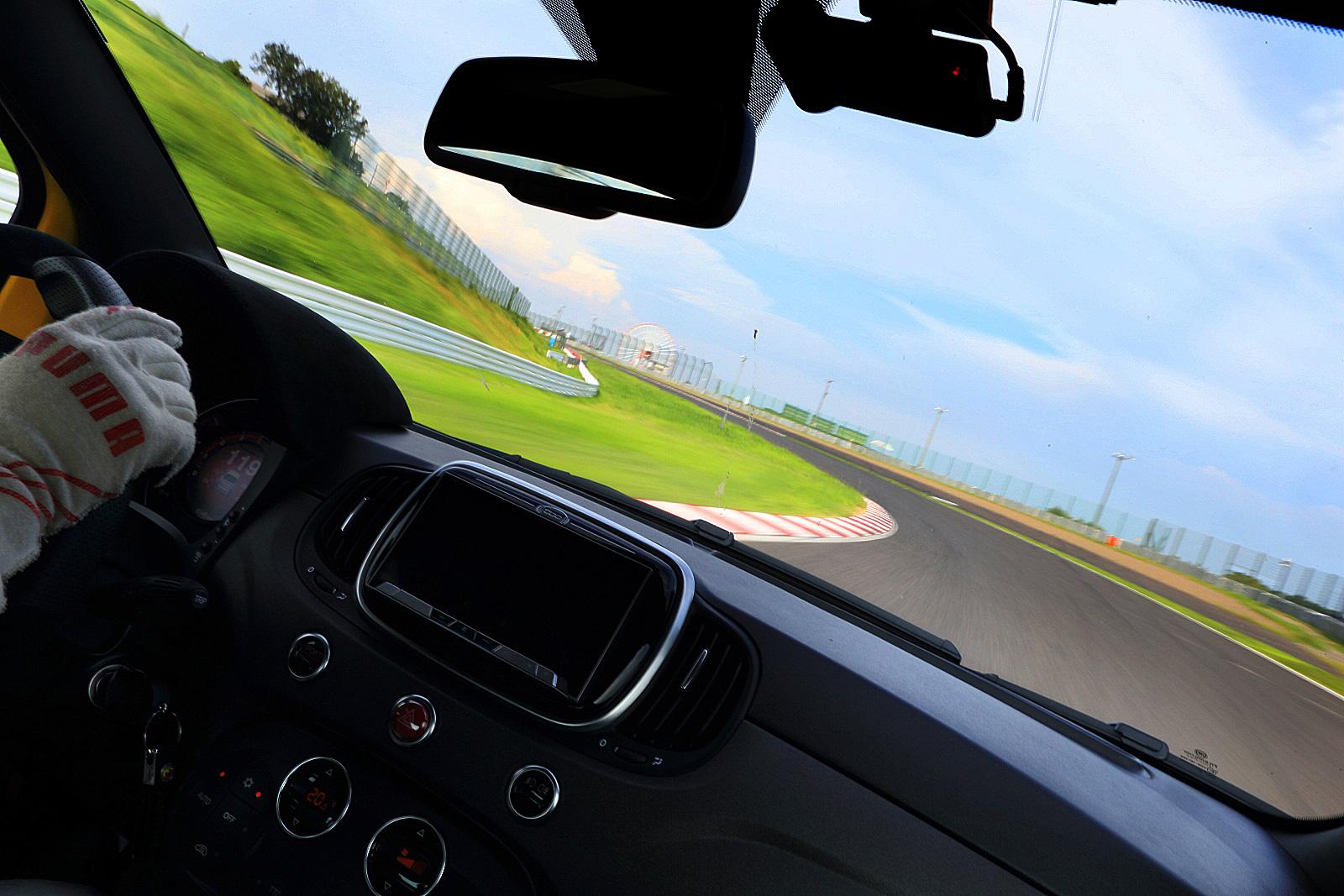 熱きサソリ使いたちの鈴鹿トライアル アバルト ドライビング アカデミー テクニコプラス開催!