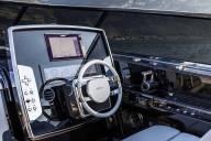 アバルト695リヴァーレの着想の源となった超高級ボートの世界観とは